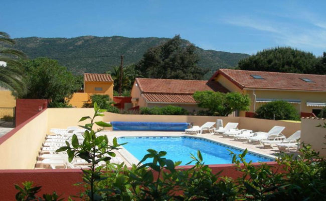 L 39 ile bleue le lavandou location de vacances for Piscine ile bleue seynod