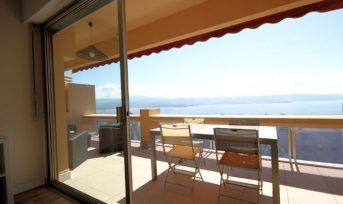 Une terrasse sur le golfe d'Ajaccio