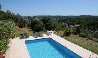 Bastide provençale piscine avec vue panoramique