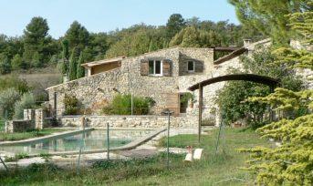 Mas Traditionnel Provençal restauré