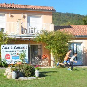 AUX 4 SAISONS, Grand Gîte 3*, Piscine
