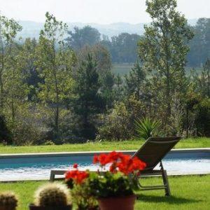 gîte – piscine bord canal du Midi