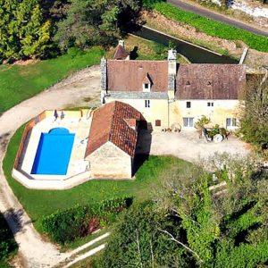 Moulin avec piscine et étang