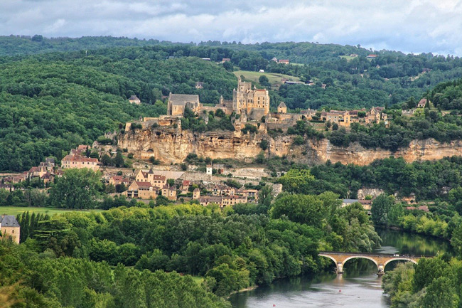 (c) Pixabay. La Dordogne